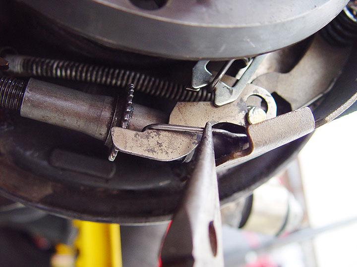 rear drum brake adjuster lever help - JeepForum com
